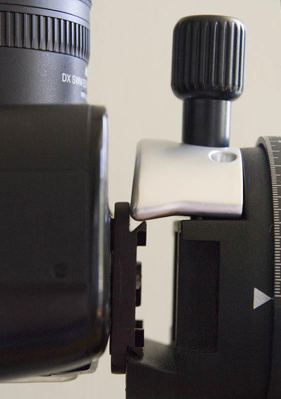 Attaching the focus rail